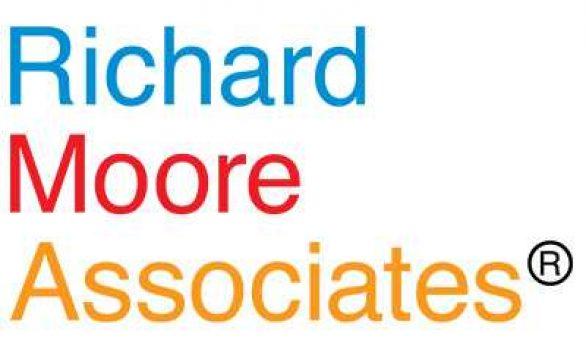 Richard Moore Associates phát triển thương hiệu